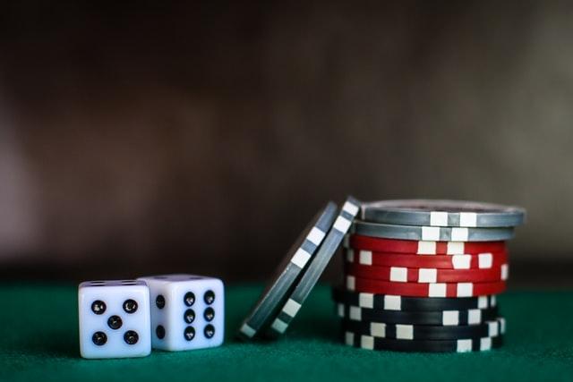 online gambling easy money